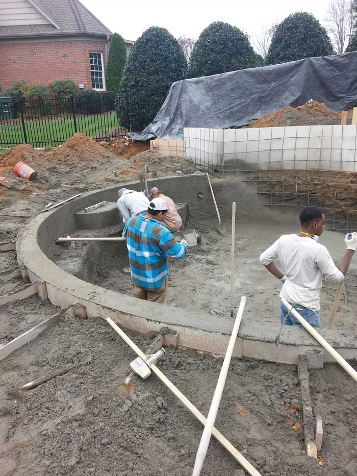 Concrete swimming pool builder